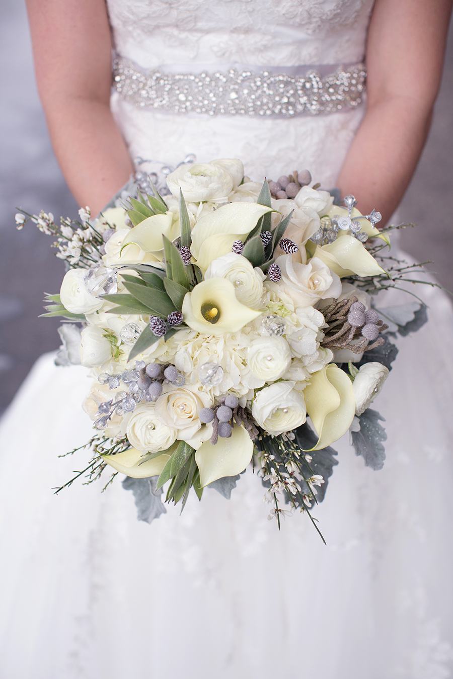 winter wedding bouquets for inspiration omaha lace cleaners. Black Bedroom Furniture Sets. Home Design Ideas
