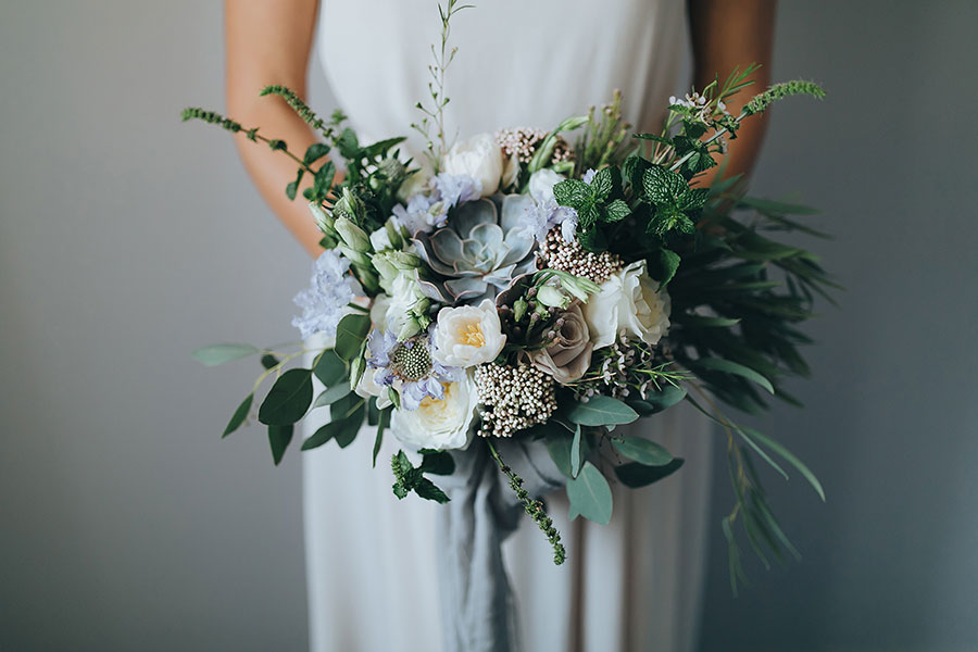 Succulent Wedding Bouquet Ideas with white flowers