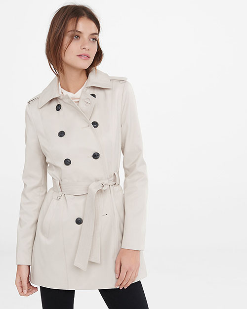 Spring Jacket Fashion Inspiration Woman's traditional trench coat