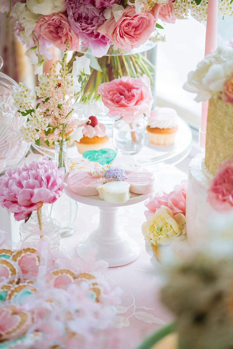 Pretty Pastel Wedding Inspiration - pastel sweet treats 1