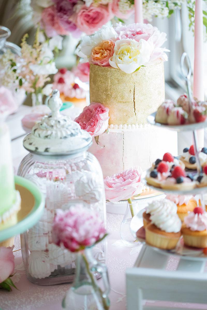 Pretty Pastel Wedding Inspiration - pastel sweet treats 2