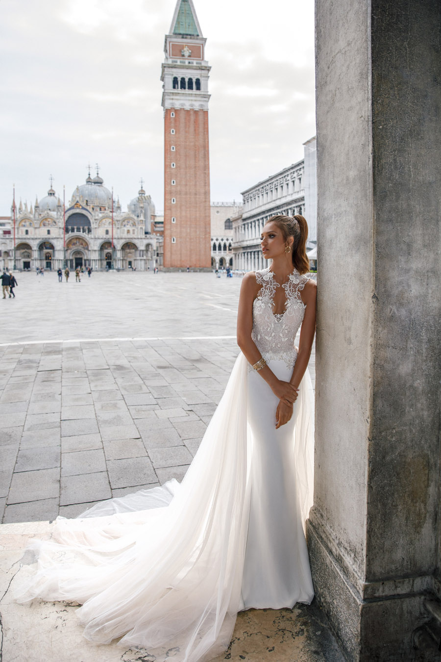 Julie Vino's Spring 2018 bridal Venezia Collection -3