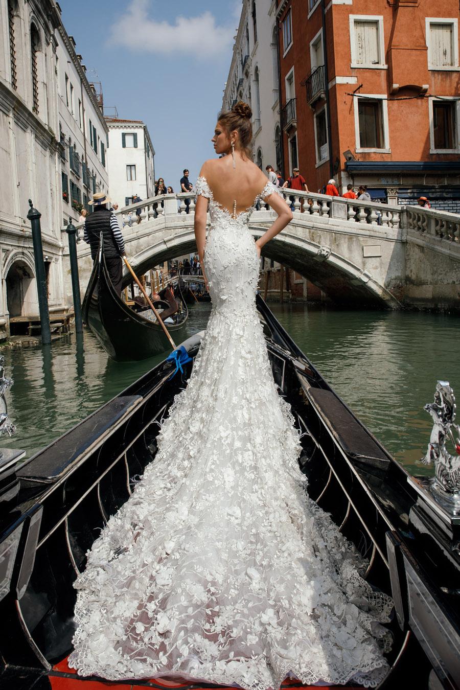 Julie Vino's Spring 2018 bridal Venezia Collection -9