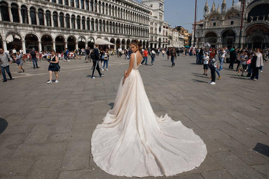Julie Vino's Spring 2018 bridal Venezia Collection -11