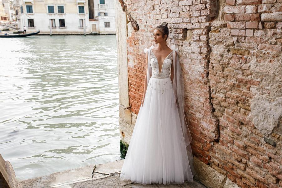 Julie Vino's Spring 2018 bridal Venezia Collection -17