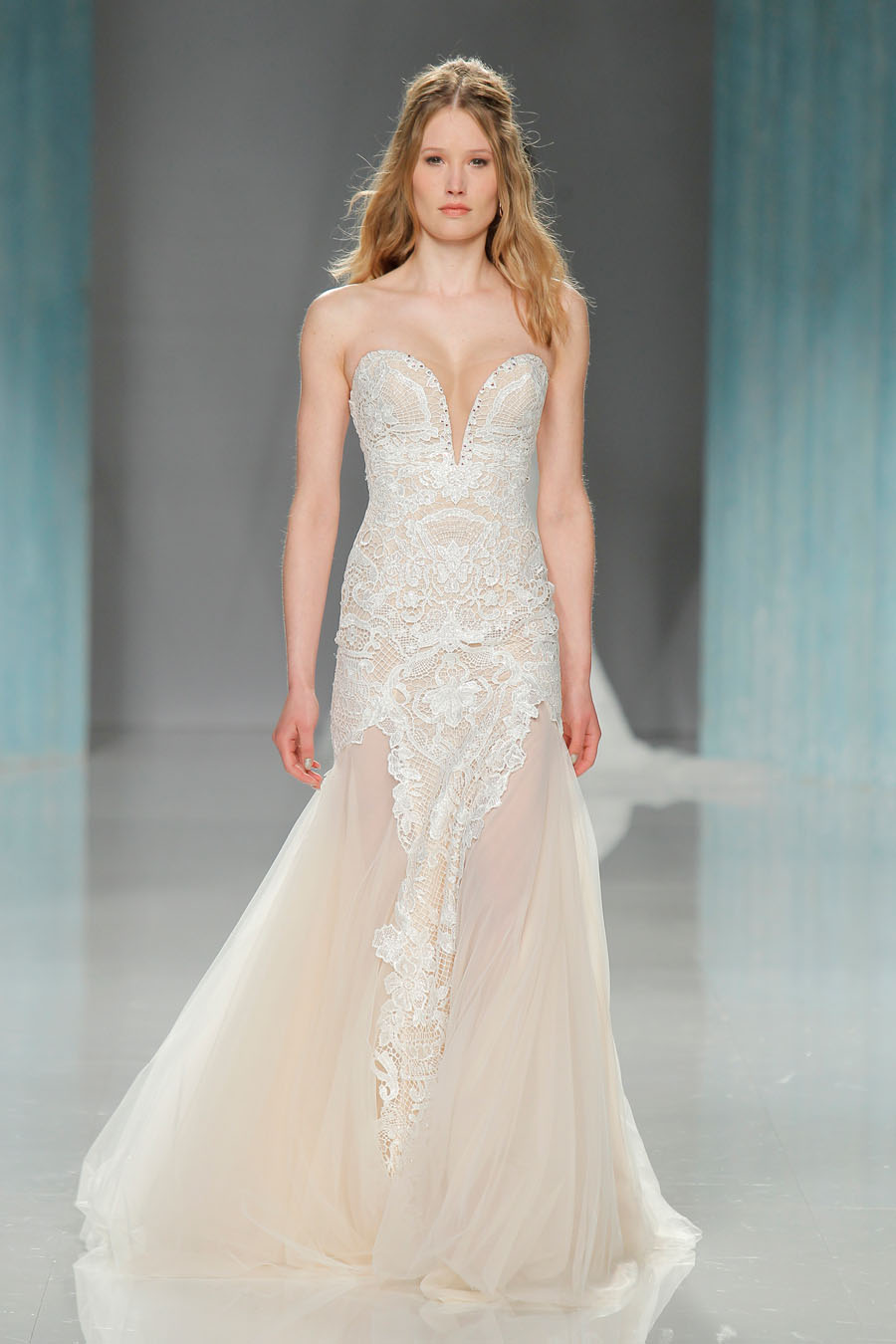 GALA Bridal Gown Collection - 912