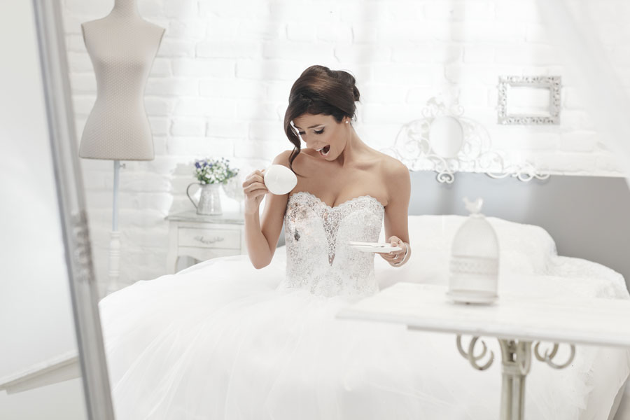 Your Wedding Day Emergency Kit Omaha Lace Cleaners,Homecoming Wedding Dresses In Sri Lanka