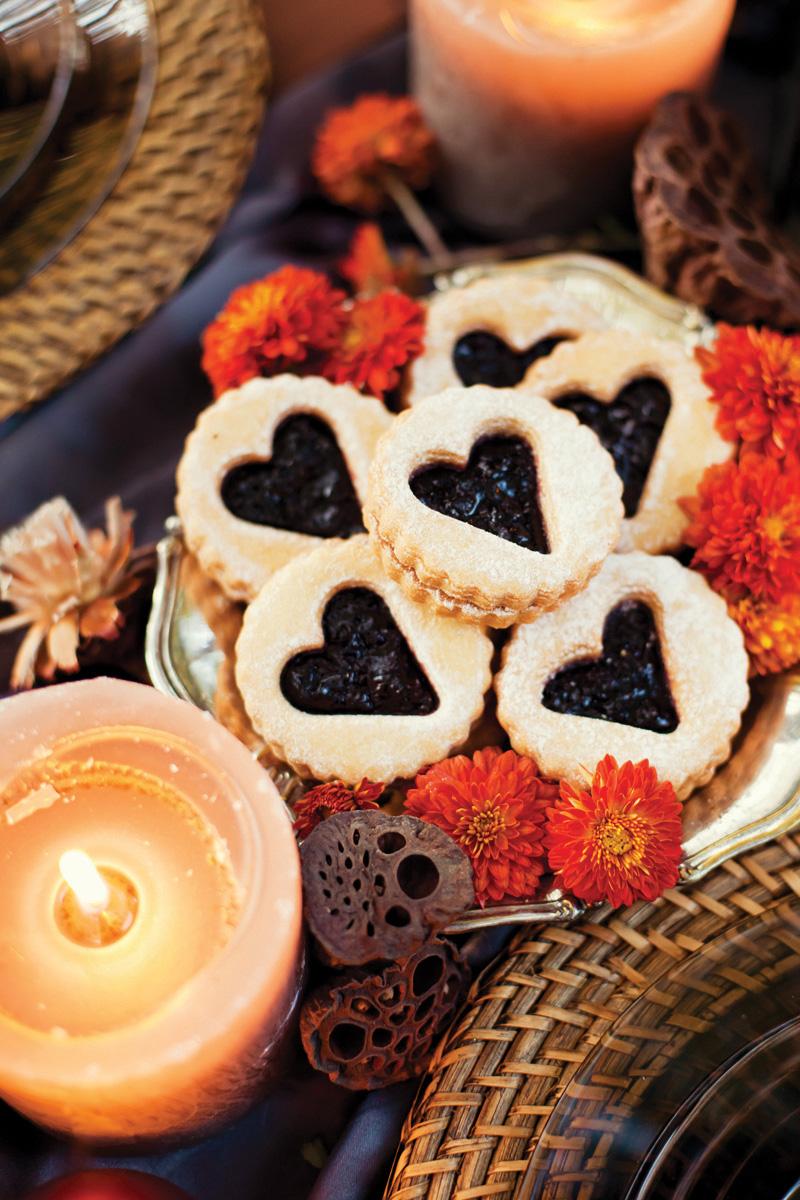 Fall wedding inspiration heart cookies