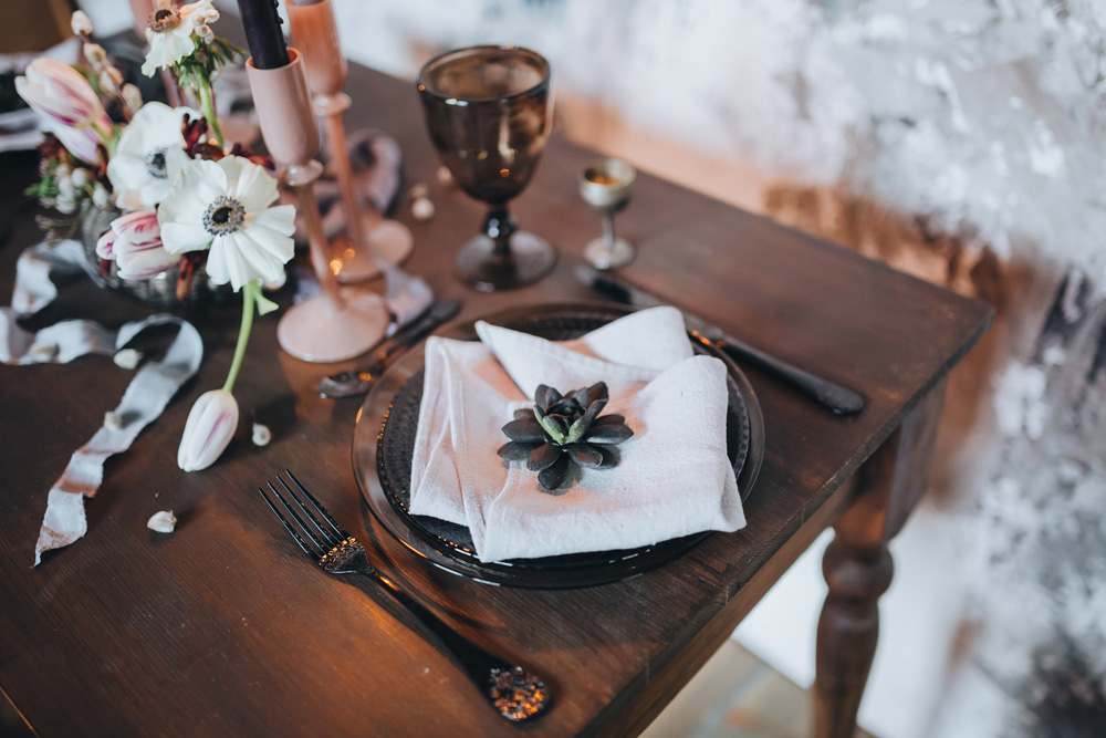 winter wedding inspiration with placesetting