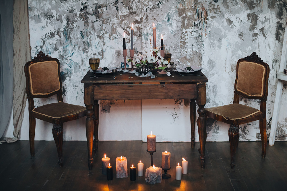 winterwedding table and candles