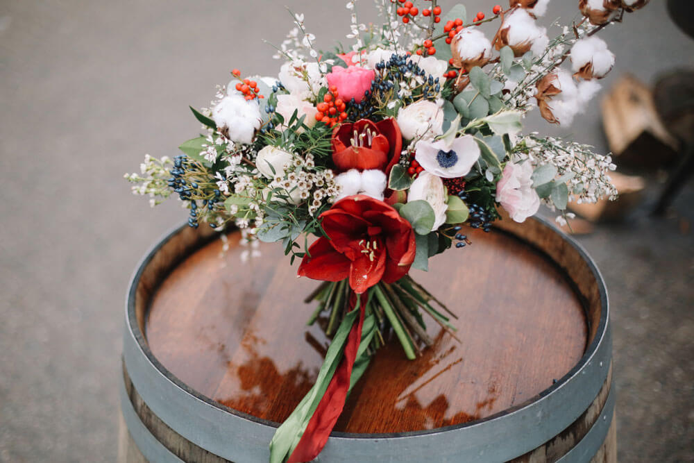 4 bouquet with Anemones